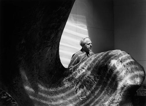 http://www.jorgelewinski.com/images/HENRY-MOORE-1963.jpg